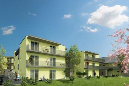 Cheap residential for sale in Austrian Alps. Two-bedroom apartment with a garden for rent, Klagenfurt