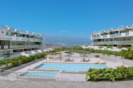 Cheap residential for sale in Tenerife. New three-bedroom apartment with mountain views near the beach of La Tejita, Sotavento, Tenerife