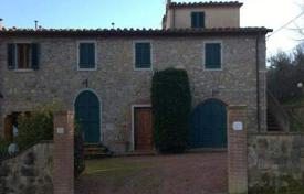 Traditional two-storey villa with a tower in Chianni, Tuscany, Italy for 690,000 €