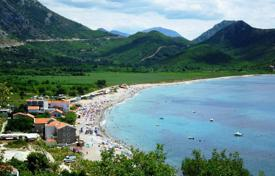 Residential for sale in Buljarica. Plot of land for construction of real estate, 100 meters from the sea, Bulyaritsa, Budva, Montenegro