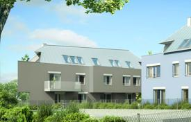 Apartments for sale in Liesing. Three-bedroom apartment with a terrace and a private garden in a new residential complex, Liesing, Vienna