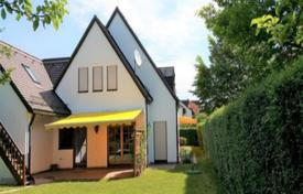 Luxury residential for sale in Munich. Cozy cottage with a terrace and a large plot, Munich, Bavaria, Germany