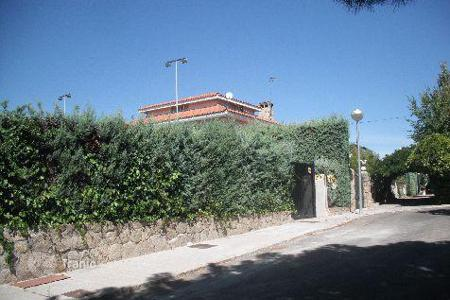 Foreclosed 5 bedroom houses for sale in Spain. Villa – Madrid, Spain