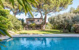 Nice Villa Saint-Tropez. Price on request