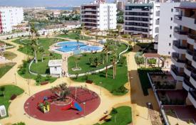 Cheap property for sale in Elche. Apartments of 2 bedrooms in a complex with pool close to the beach in Arenales del Sol