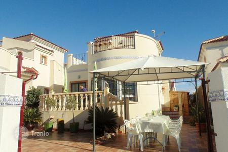 Cheap 3 bedroom houses for sale in Costa Blanca. Villa in the town of Guardamar del Segura