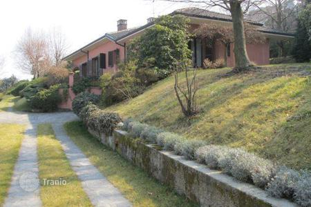 Luxury 4 bedroom houses for sale in Piedmont. Villa – Piedmont, Italy