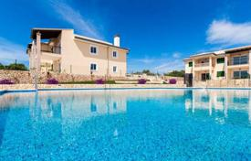 Apartments with pools for sale in Majorca (Mallorca). Designed apartment in a new residential complex offering direct access to Cala Anguila, Majorca, Balearic Islands, Spain