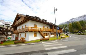Luxury 2 bedroom apartments for sale in Alps. Apartment – Cortina d'Ampezzo, Veneto, Italy