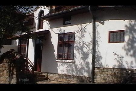 Cheap houses for sale in Veliko Tarnovo (city). Townhome – Veliko Tarnovo (city), Veliko Tarnovo, Bulgaria