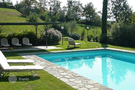 Villas and houses for rent with swimming pools in Tuscany. Antica Pieve