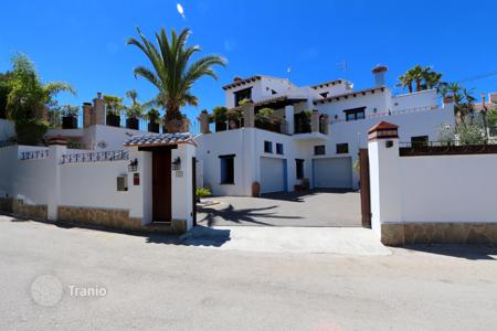5 bedroom houses for sale in Costa Blanca. Villa - Calpe, Valencia, Spain