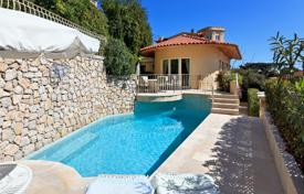 Houses with pools for sale in Cap d'Ail. Renovated villa with panoramic views, a swimming pool and a garage, near the beach, Cap d'Ail, France