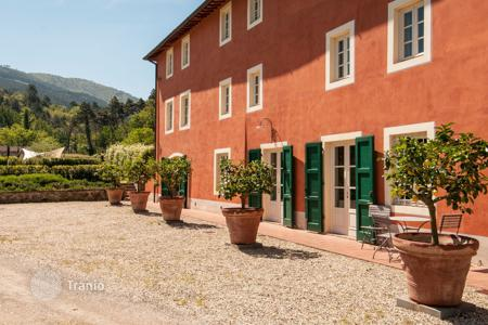 6 bedroom villas and houses to rent in Capannori. Villa - Capannori, Tuscany, Italy