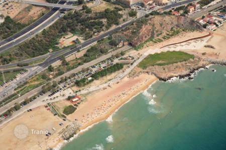 Property for sale in Montgat. Plot of land 1st sea line in Montgat