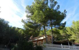 Cozy villa with a large plot, a garden, a terrace and a parking, Calvia, Spain for 900,000 €