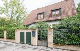 Luxury 4 bedroom houses for sale in Central Europe. Comfortable cottage with a garden and a garage in the prestigious area of Pullach im Isartal, Munich, Germany