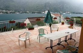 Houses with pools for sale in Kotor. Villa – Muo, Kotor, Montenegro