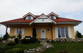 Houses with pools for sale in Central Bohemia. Detached house – Central Bohemia, Czech Republic