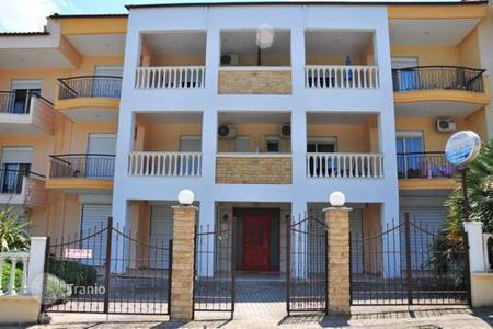 Apartments to rent in Greece. Apartments in Nea Moudania, only 150 m from the beach. 1 bedroom and a living room with a kitchen