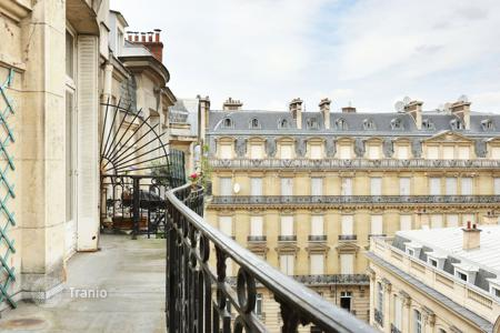 Luxury 4 bedroom apartments for sale in France. Spacious apartment with fireplace in historical building, in Paris 16th, Ile-de-France, France