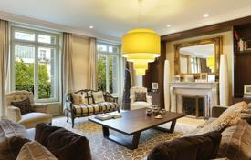 6 bedroom apartments for sale in France. Beautiful apartment in a privileged house, Paris, France