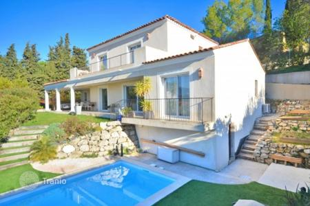 Cheap 3 bedroom houses for sale in France. Villa – Vence, Côte d'Azur (French Riviera), France