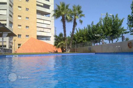 Apartments with pools for sale in Montgat. Flat for sale with beautiful sea views on the 1st sea line!