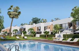 Houses with pools for sale in Pilar de la Horadada. Detached house – Pilar de la Horadada, Alicante, Valencia, Spain