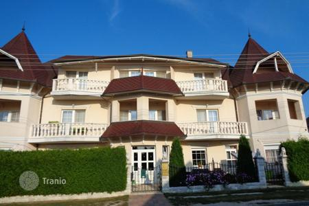 Commercial property for sale in Hungary. A comfortable hotel with a garden and a large terrace, Heviz, Hungary