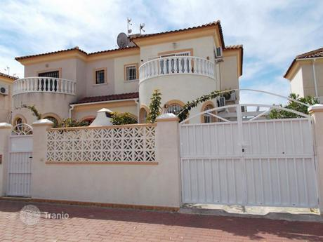 cheap townhouses in torre la mata terraced houses for