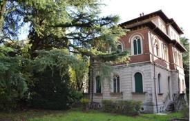 Residential for sale in Seveso. Villa – Seveso, Lombardy, Italy