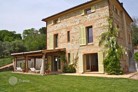 4 bedroom houses for sale in Tuscany. STONE FARMHOUSE WITH SWIMMING POOL FOR SALE IN SCANSANO, MAREMMA — TUSCANY