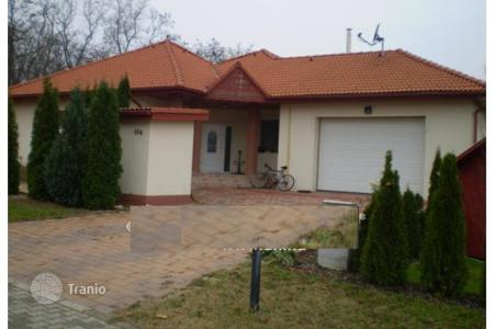 Property for sale in Mogyoród. Detached house – Mogyoród, Pest, Hungary