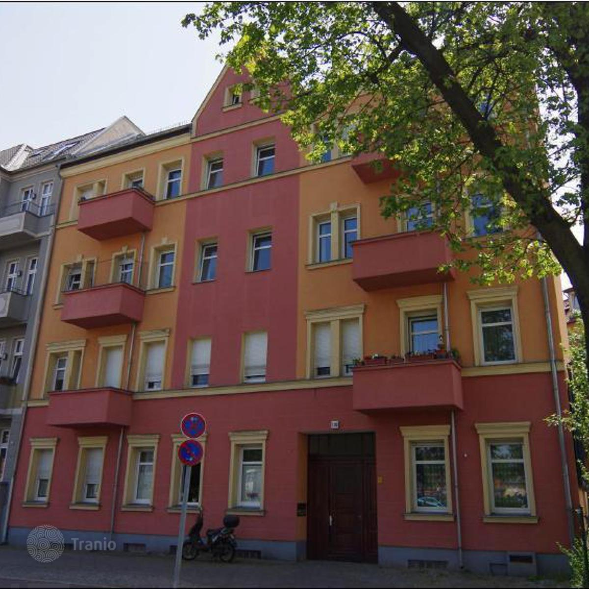 Listing #1338653 in Berlin, Germany — Apartment building ...