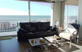 4 bedroom apartments by the sea for sale in Barcelona. Flat for sale in Sant Vicençe de Montalt, on the 2nd sea line