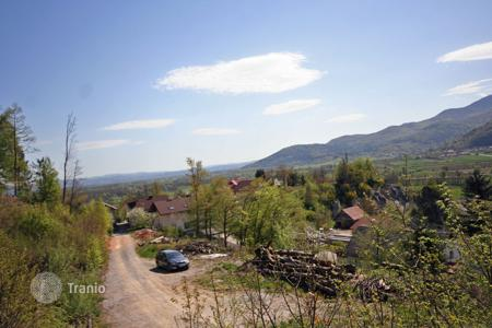 Development land for sale in Slovenia. In the village Notranje gorice we are offering for sale a building plot in a peaceful location with great views and plenty of sun