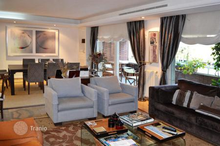 5 bedroom apartments for sale in Catalonia. Large apartment in a prestigious area of Barcelona