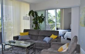 Condo – North Bayshore Drive, Miami, Florida,  USA for $340,000