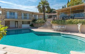 4 bedroom houses for sale in Biot. Comfortable villa with a pool, a terrace and a staff apartment in a prestigious domain, Biot, French Riviera, France