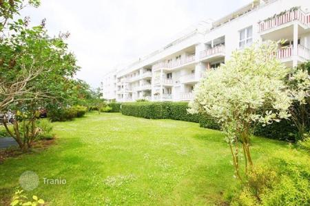 1 bedroom apartments for sale in Bavaria. Spacious apartment with a garden in the district Trudering in Munich