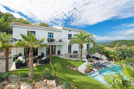Luxury 6 bedroom houses for sale in Cannes. Cannes — Exclusive property