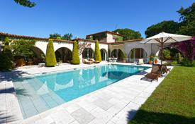 5 bedroom houses for sale in Ramatyuel. Provencal villa with a pool and sea views, close to the beach, Ramatuelle, France