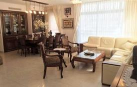 3 bedroom apartments for sale in Israel. Modern apartment with furniture, terrace and overlooking the sea in Netanya, Israel
