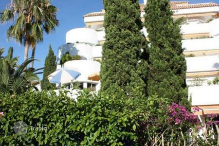 1 bedroom apartments for sale in Malaga. Apartment for sale in Ancon Sierra, Marbella Golden Mile
