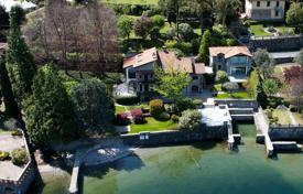 Luxury villa with a large park and a guest house of the shores of Lake Como, Oliveto Lario, Italy for 5,000,000 €