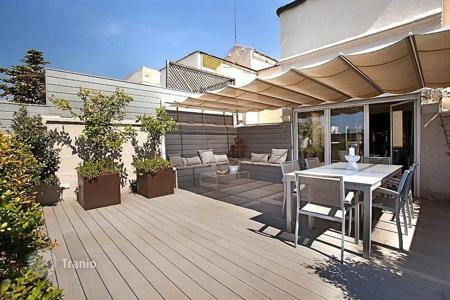 Penthouses for sale in Catalonia. Luxury penthouse duplex in the heart of Barcelona