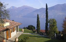 4 bedroom houses for sale in Lombardy. Luxury pool villa on Lake Como in the heart of Menaggio