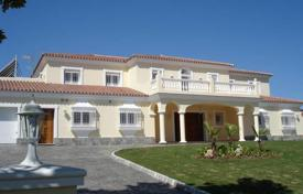 5 bedroom houses by the sea for sale in Spain. Spacious villa with a large plot, a swimming pool, a parking and a terrace, Sotogrande, Spain