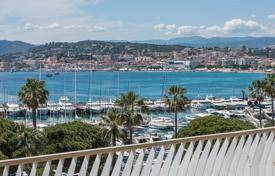 Cannes — Croisette — High floor apartment for 3,500,000 €